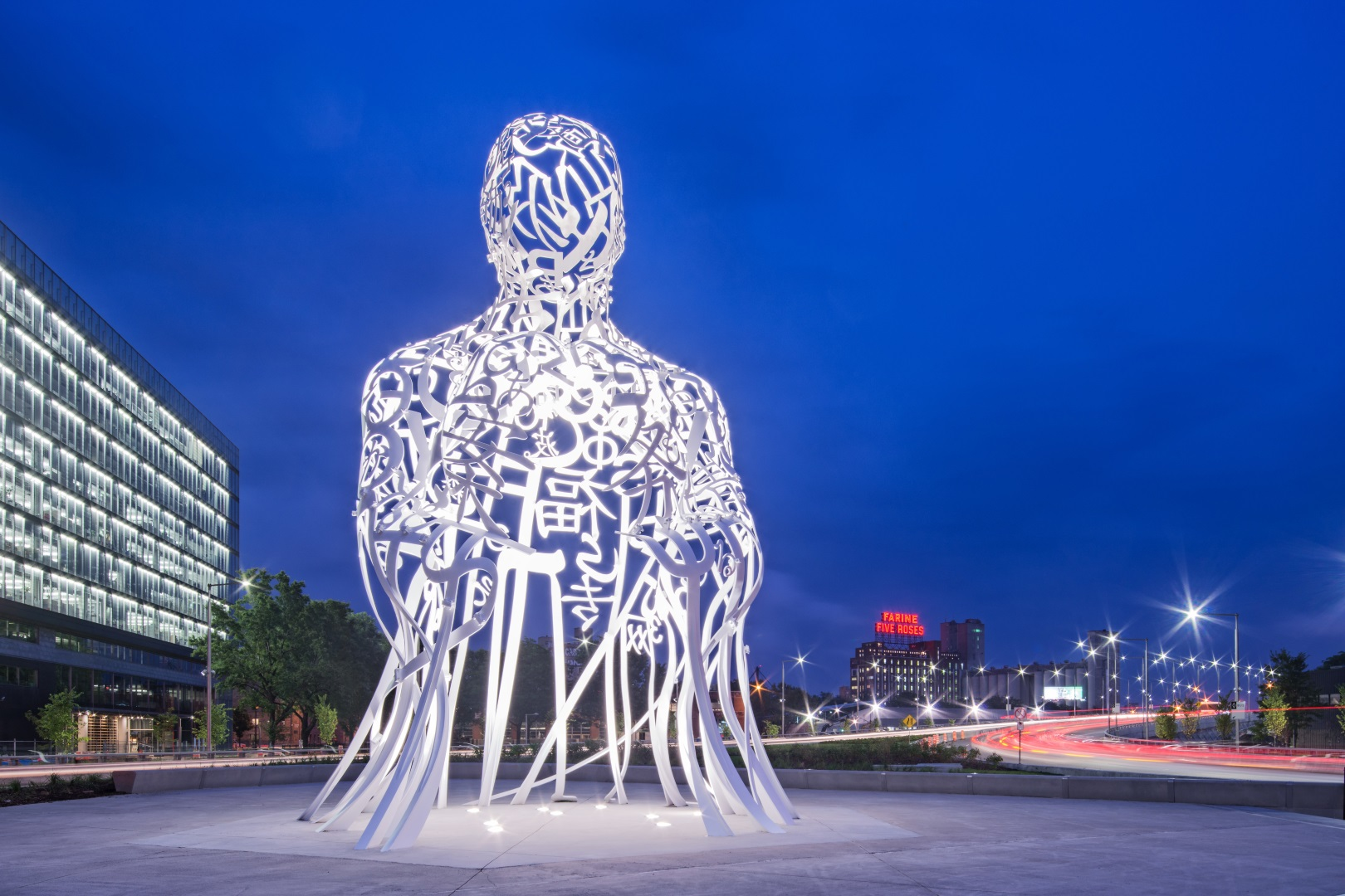 Source, Jaume Plensa