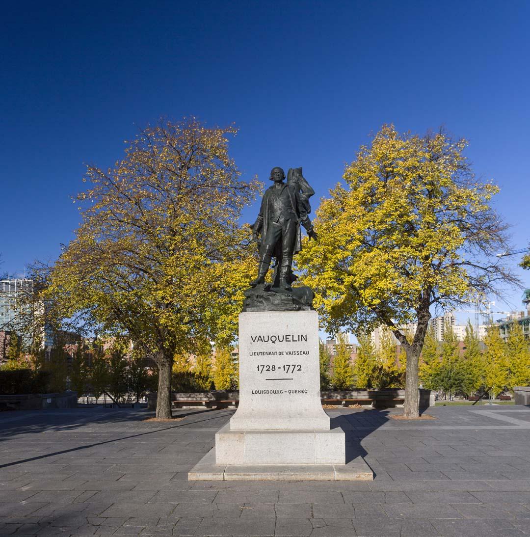 Monument à Jean Vauquelin, Eugène-Paul Benet