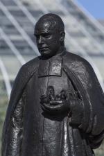Monument au frère Marie-Victorin, Sylvia Daoust