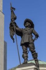 Monument à Paul de Chomedey, sieur de Maisonneuve, Louis-Philippe Hébert