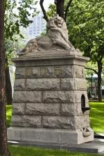 Le lion de Belfort, George William Hill