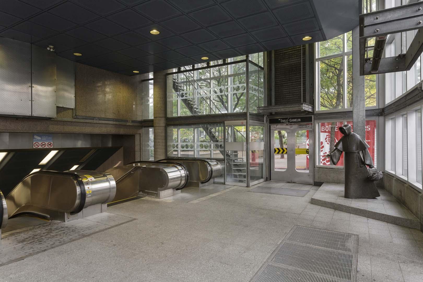 Bureau d art public ville de montréal monument à Émilie gamelin