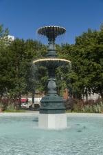 Fontaine du square Saint-Louis, J.L. Mott