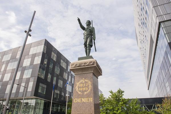 Monument à Jean-Olivier Chénier, Alfonso Pelzer